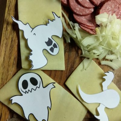 Фото рецепта - Пиццы-монстры на Хэллоуин - шаг 3