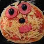 Фото рецепта - Пиццы-монстры на Хэллоуин - шаг 4