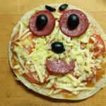 Фото рецепта - Пиццы-монстры на Хэллоуин - шаг 5