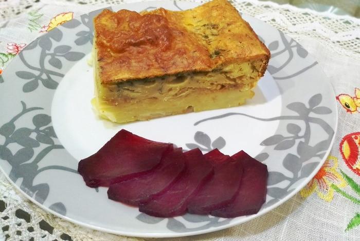 Вкуснейший картофельный пирог, запеченный с сыром и капустой