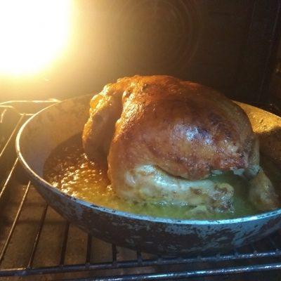 Фото рецепта - Спагетти с запечённой курицей под сливочным соусом - шаг 3