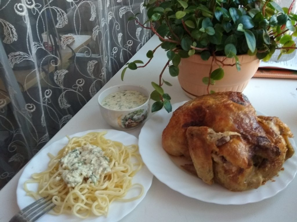 Фото рецепта - Спагетти с запечённой курицей под сливочным соусом - шаг 11