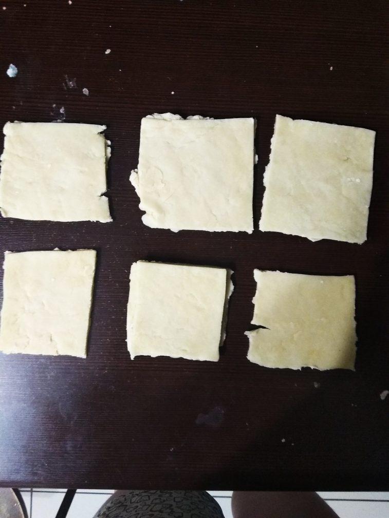 Фото рецепта - Рогалики с джемом - шаг 7