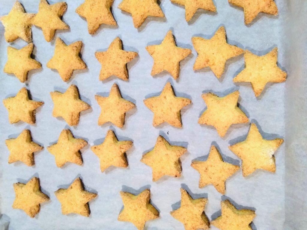 Фото рецепта - Печенье творожно-сахарное - шаг 6