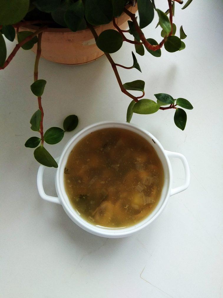 Фото рецепта - Грибной суп с вермишелью - шаг 7