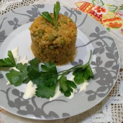 Фото рецепта - Булгур с зеленым горошком и овощами - шаг 3