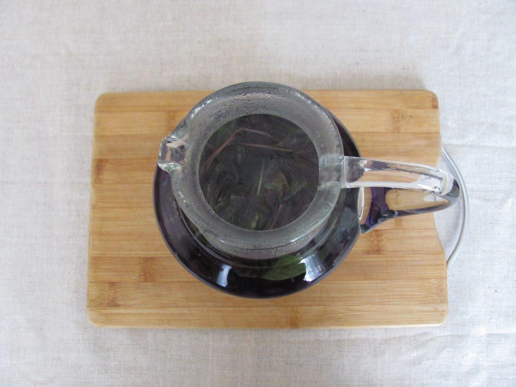 Фото рецепта - Чай из базилика - шаг 2