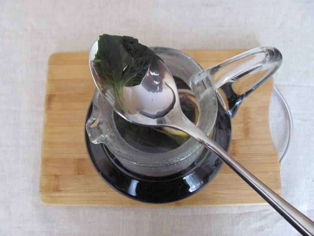 Фото рецепта - Чай из базилика - шаг 3