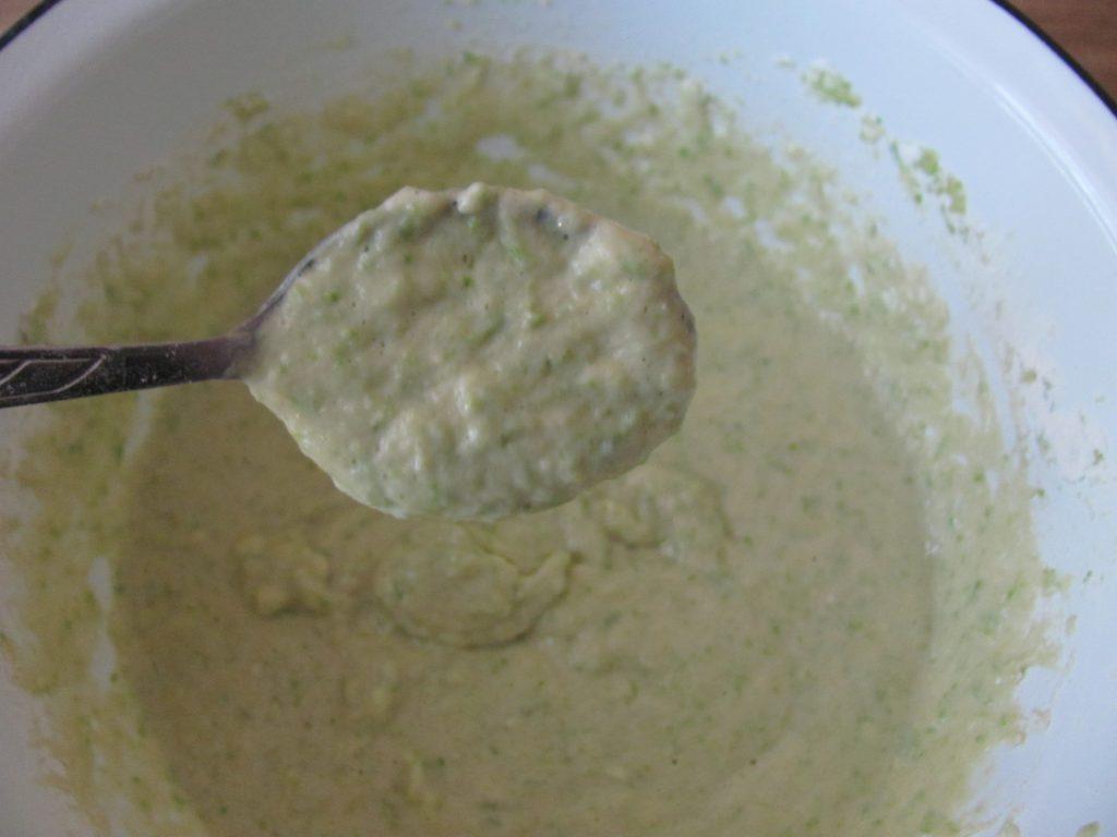 Фото рецепта - Сладкие кабачковые оладьи с яблочным соусом - шаг 7