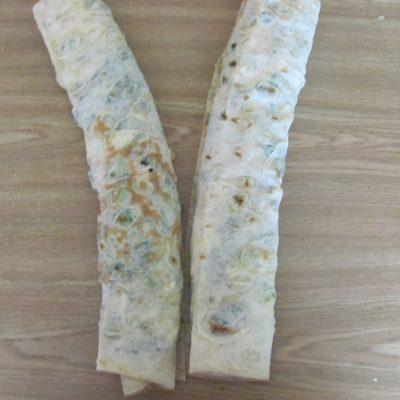 Фото рецепта - Рулет из лаваша с брокколи и шпинатом - шаг 11