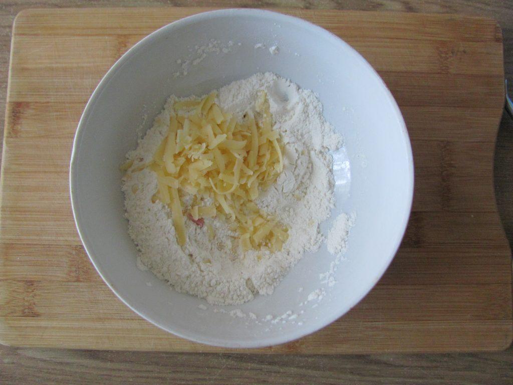Фото рецепта - Острые блинчики с кимчи (с капустой) - шаг 3