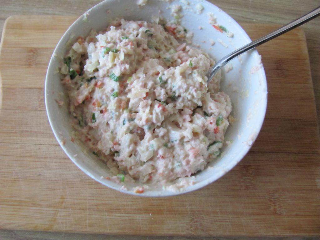 Фото рецепта - Острые блинчики с кимчи (с капустой) - шаг 8