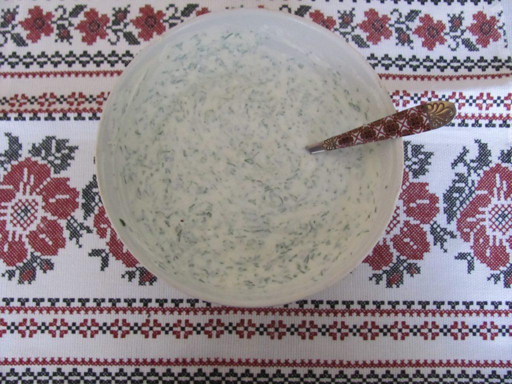 Фото рецепта - Брокколи и морковь под йогуртовым соусом в фольге - шаг 9