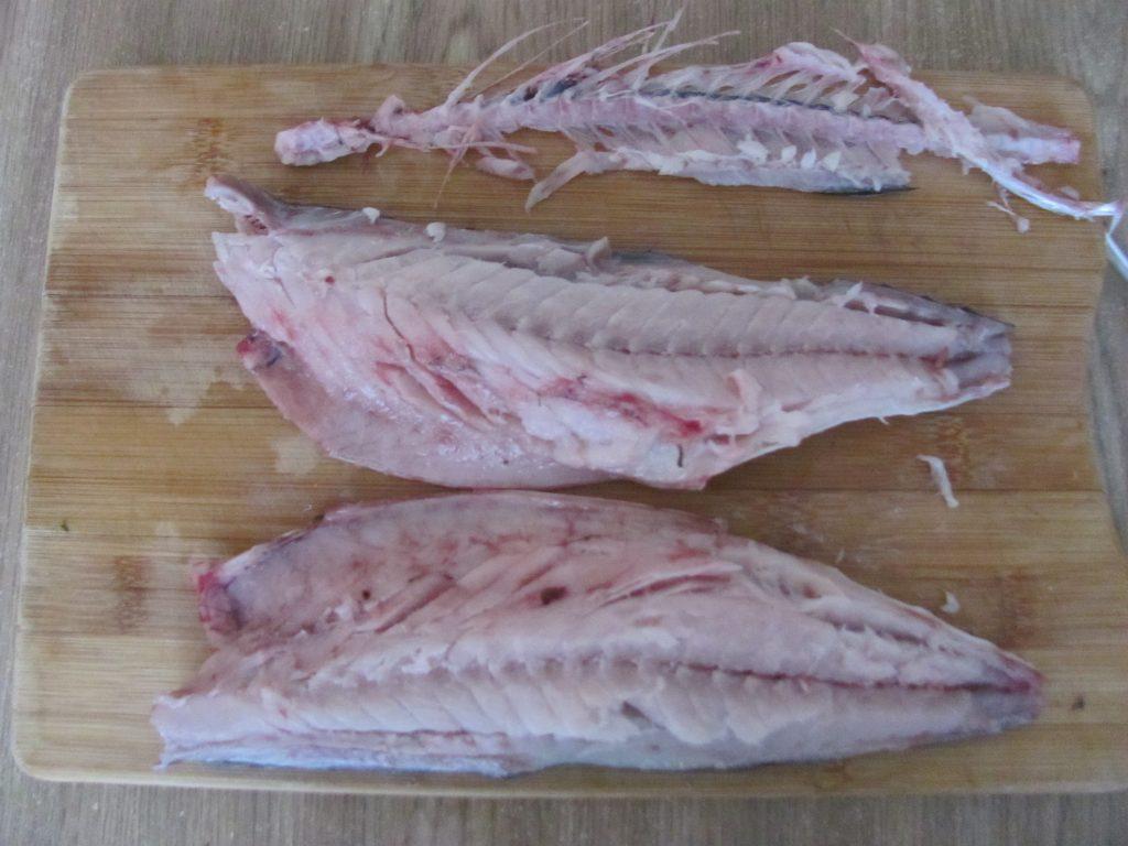 Фото рецепта - Сугудай из скумбрии – малосольная рыба - шаг 4
