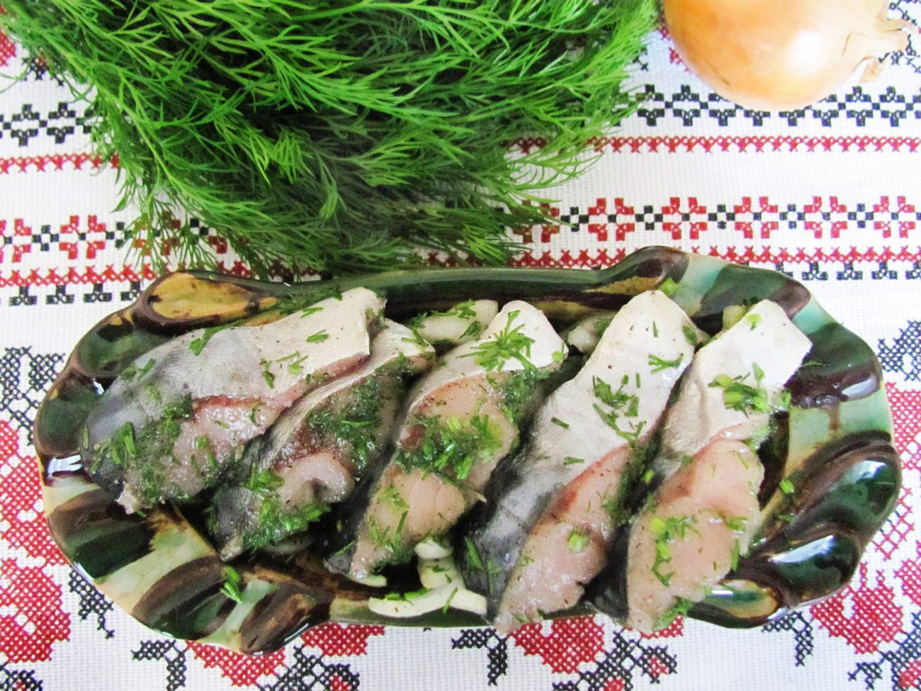 Сугудай из скумбрии – малосольная рыба