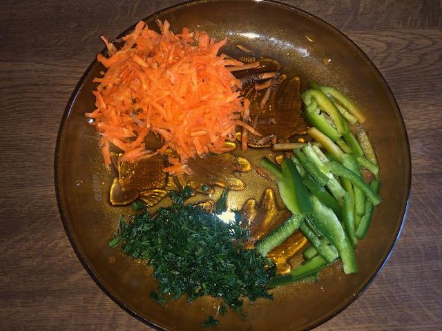 Фото рецепта - Овощной гречневый суп с куриным филе - шаг 4
