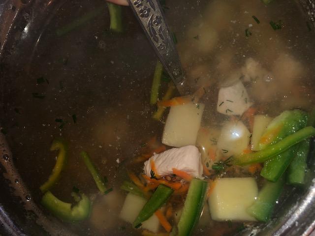 Фото рецепта - Овощной гречневый суп с куриным филе - шаг 5