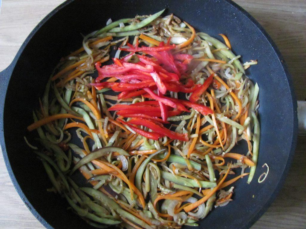 Фото рецепта - Курица в паназиатском стиле с гречневой кашей - шаг 8