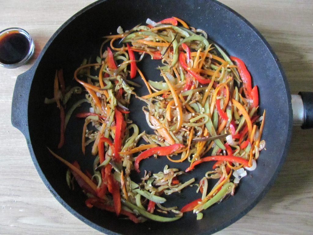 Фото рецепта - Курица в паназиатском стиле с гречневой кашей - шаг 9