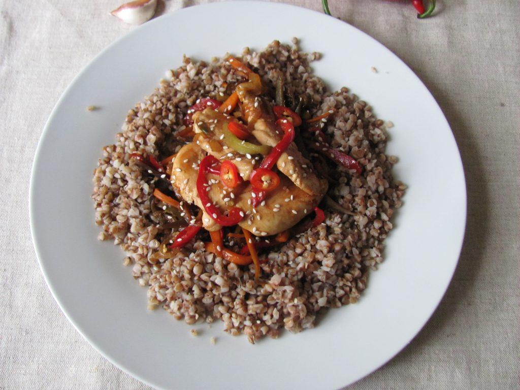 Фото рецепта - Курица в паназиатском стиле с гречневой кашей - шаг 12