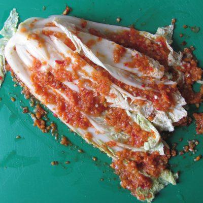 Фото рецепта - Домашнее кимчи – квашеная пекинская капуста - шаг 13