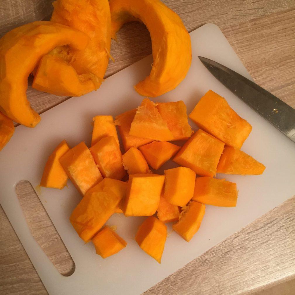 Фото рецепта - Ароматный крем-суп из тыквы - шаг 1