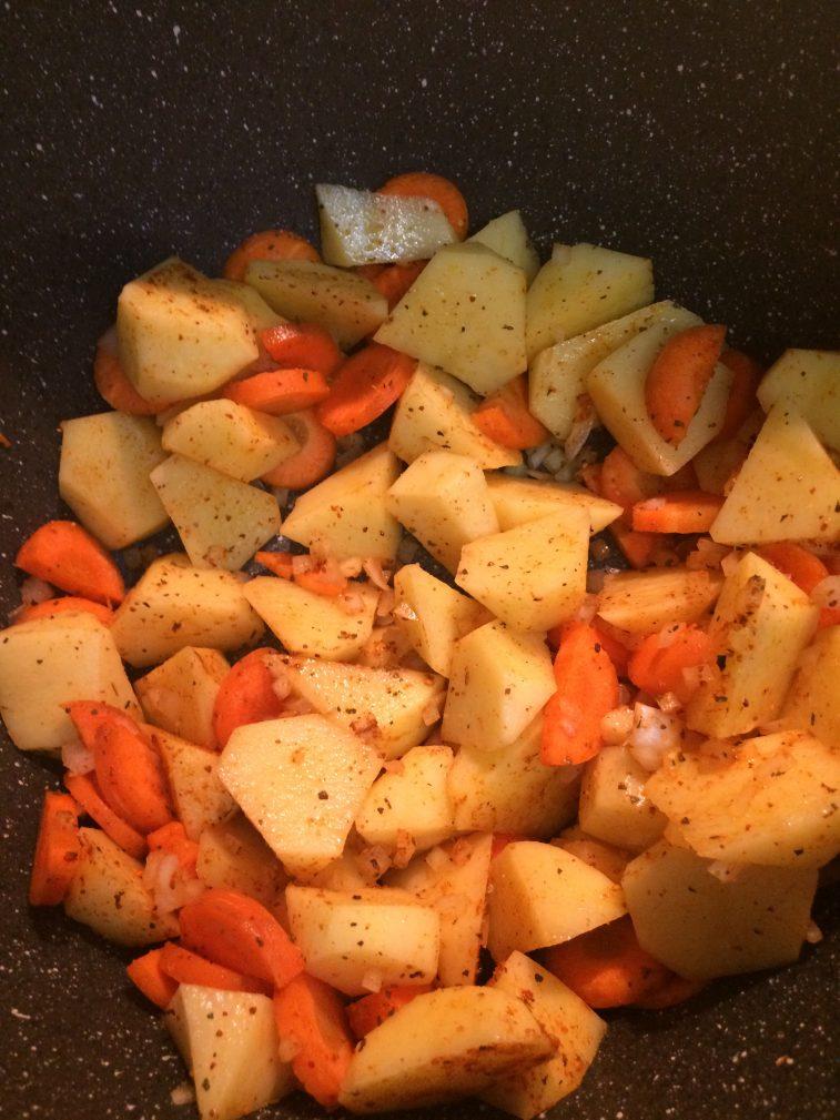 Фото рецепта - Печеный картофель на гарнир к мясу - шаг 5