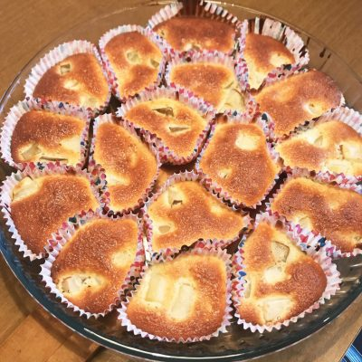 Кексы с грушей - рецепт с фото