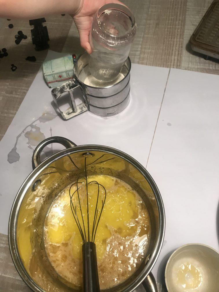 Фото рецепта - Вафельный торт - шаг 2