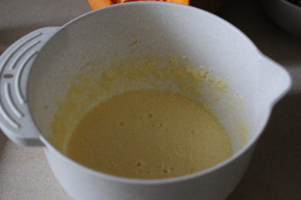 Фото рецепта - Тыквенный кекс с цитрусовой глазурью - шаг 6