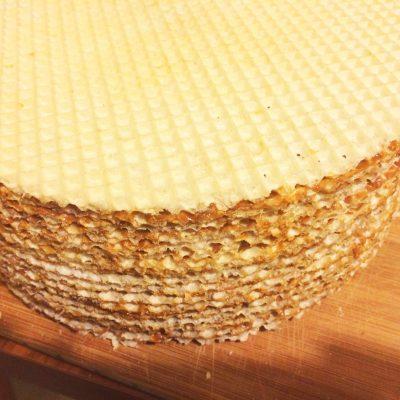 Торт без выпечки со сгущенкой - рецепт с фото
