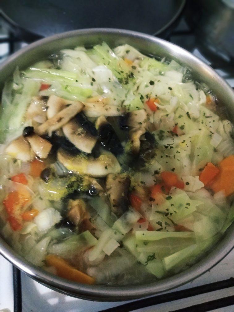 Фото рецепта - Суп для похудения с сельдереем - шаг 4