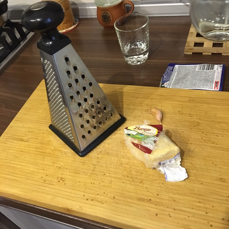 Фото рецепта - Макароны с сыром и чесноком - шаг 4