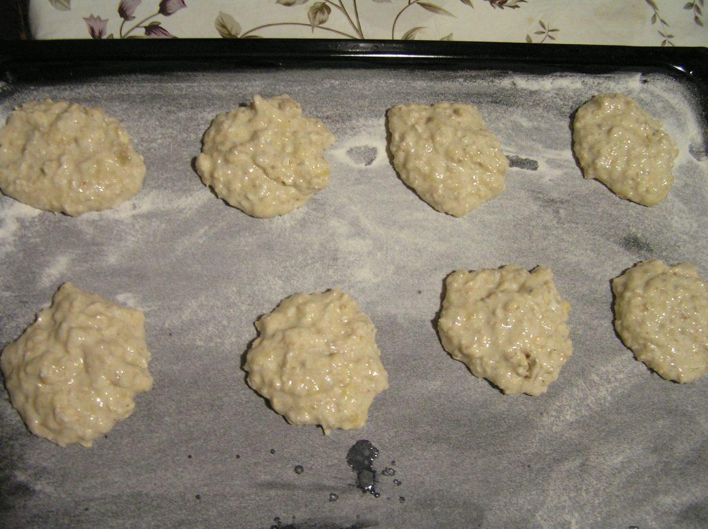 Фото рецепта - Печенье с бананом и овсянкой - шаг 4