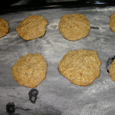 Фото рецепта - Печенье с бананом и овсянкой - шаг 5