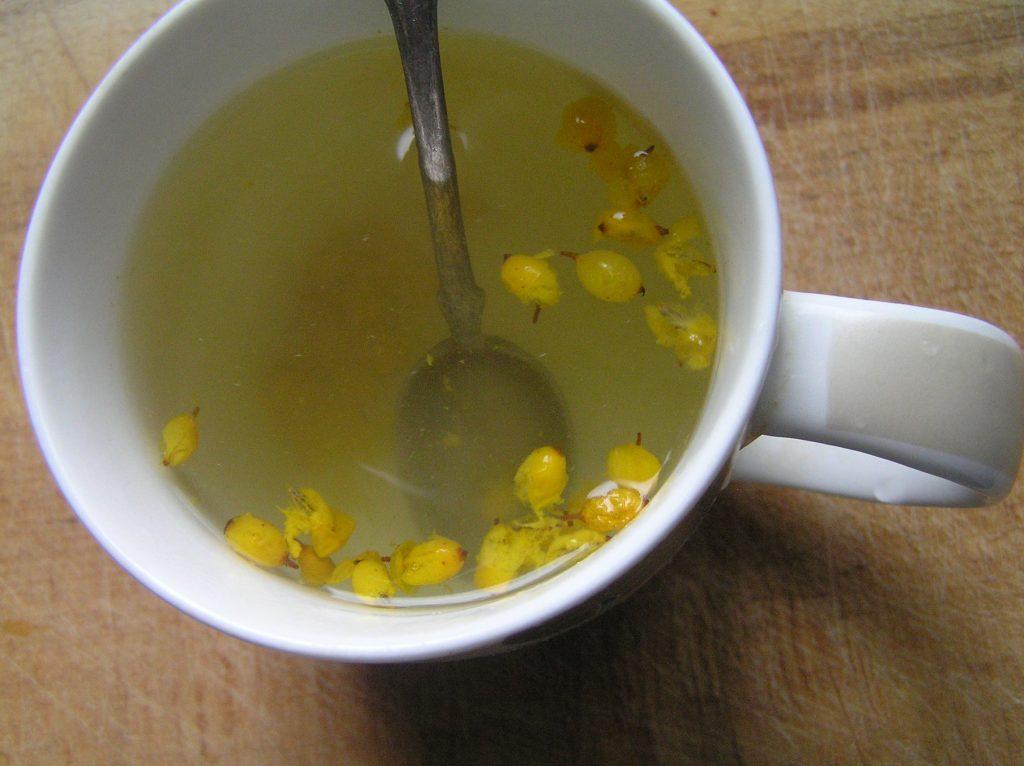Фото рецепта - Витаминный напиток из облепихи - шаг 4