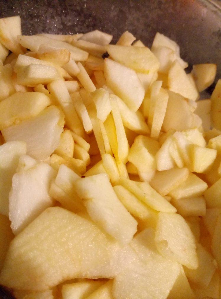 Фото рецепта - Яблочный пирог в мультиварке - шаг 1