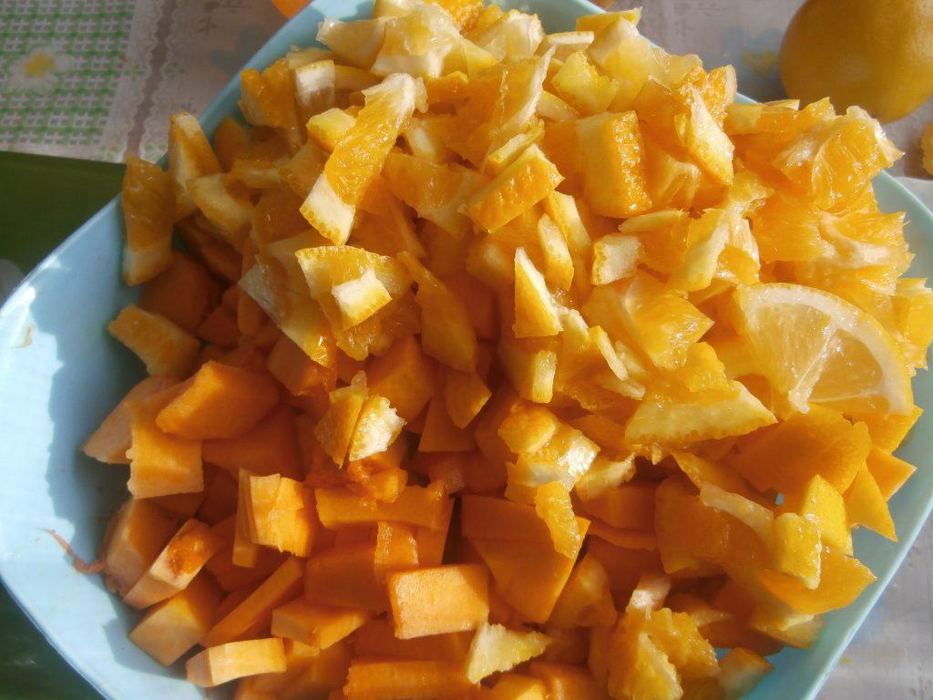Фото рецепта - Варенье из тыквы с цитрусами и мёдом «Жёлтая сказка» - шаг 2