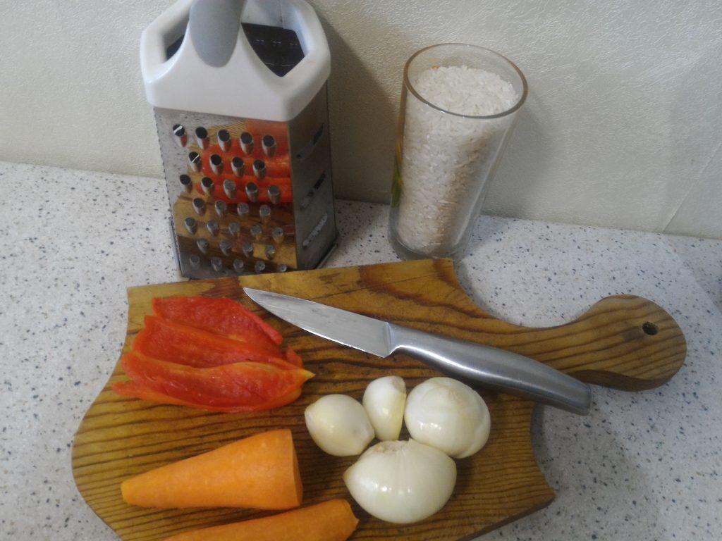 Фото рецепта - Плов с фаршем – простой рецепт - шаг 1