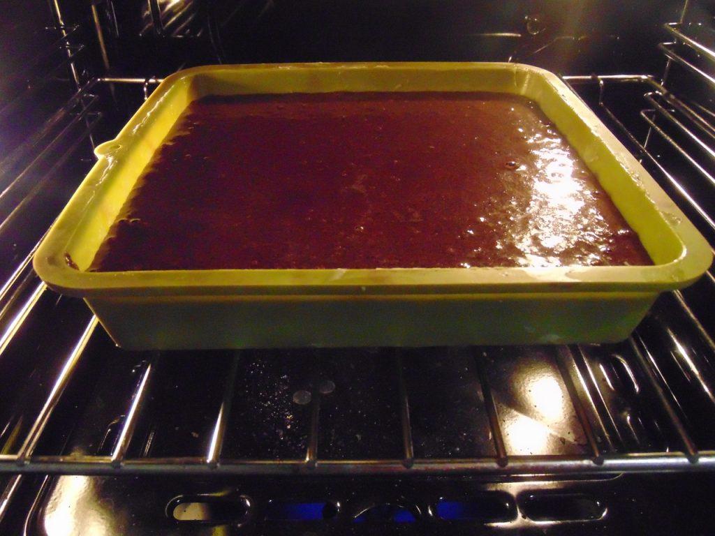 Фото рецепта - Шоколадный манник с маком - шаг 3