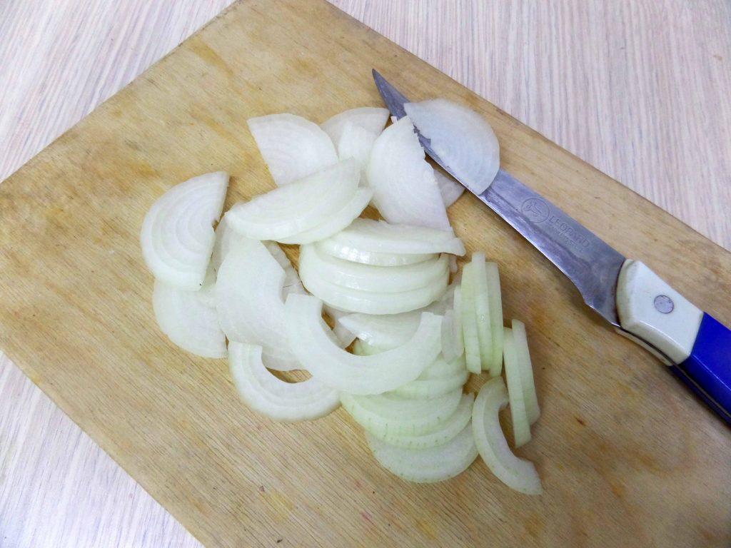 Фото рецепта - Салат из жареных баклажан - шаг 4