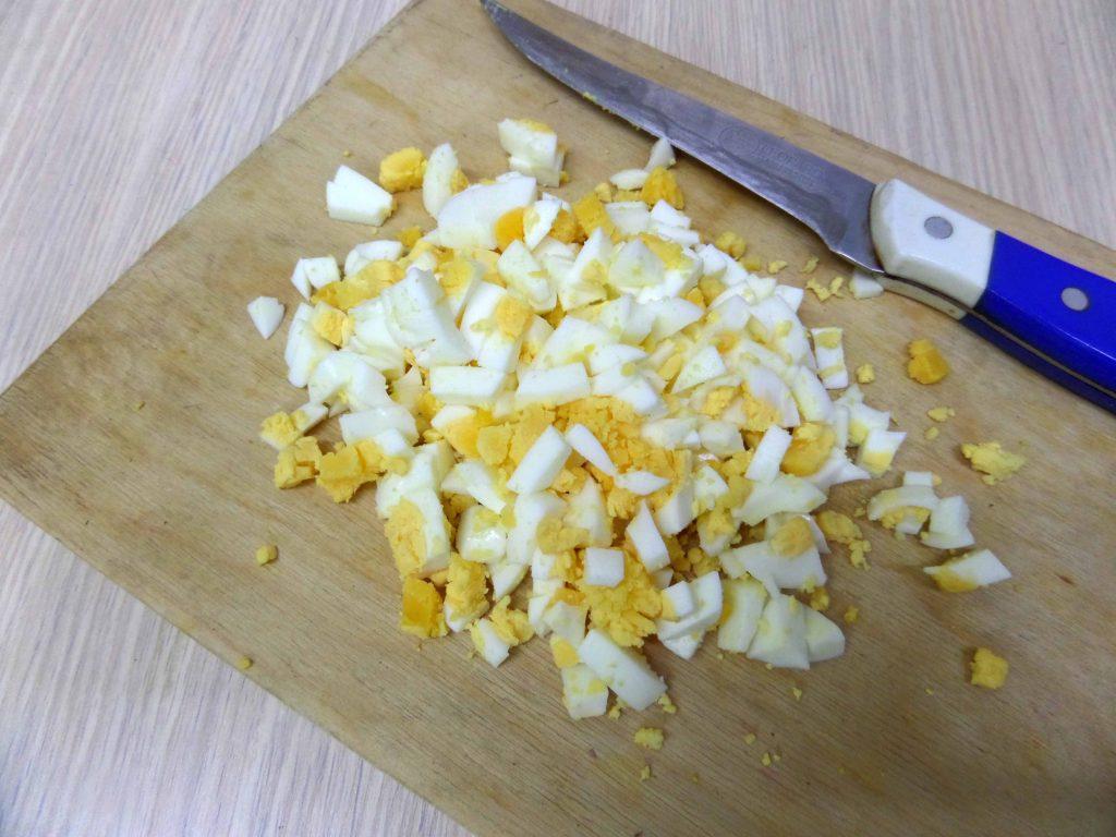 Фото рецепта - Салат из жареных баклажан - шаг 7