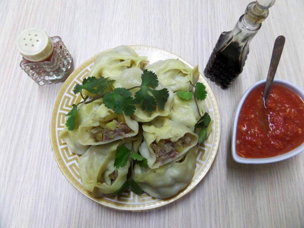 Фото рецепта - Манты со свининой и картошкой - шаг 11