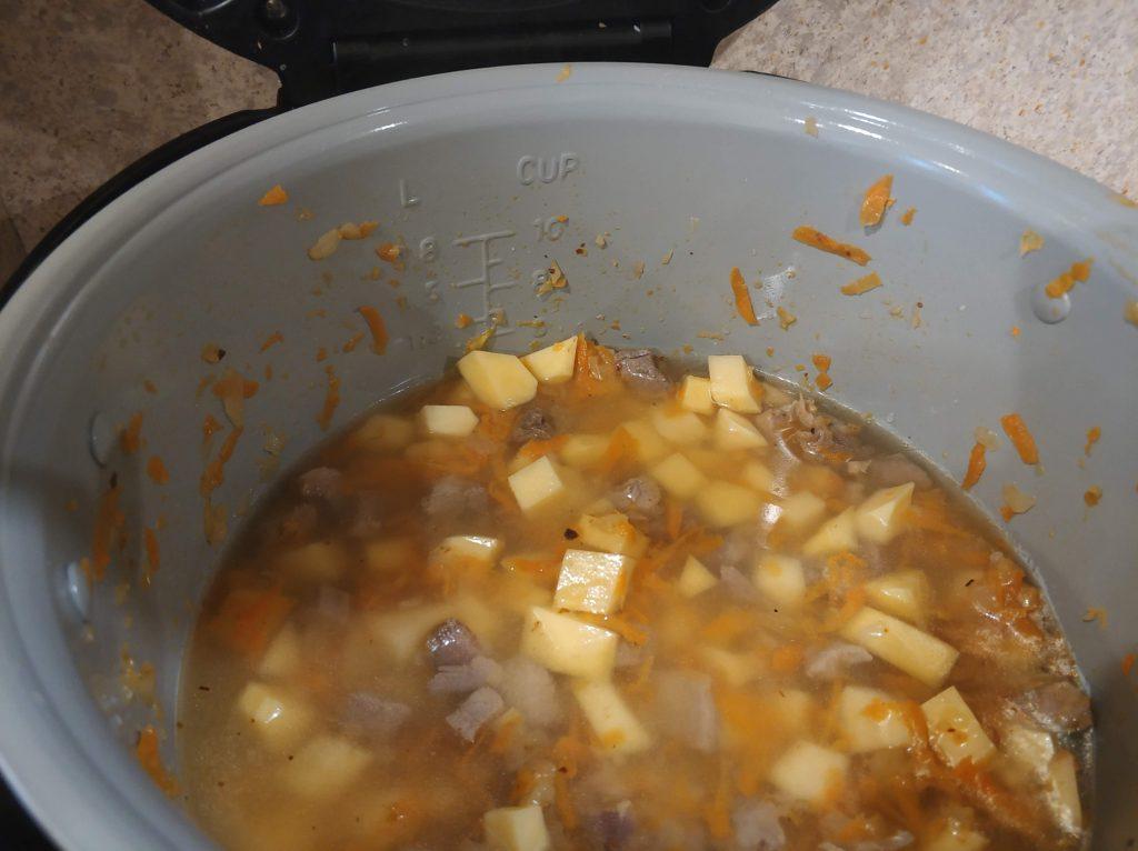 Фото рецепта - Тушеная индейка с картофелем в мультиварке - шаг 7