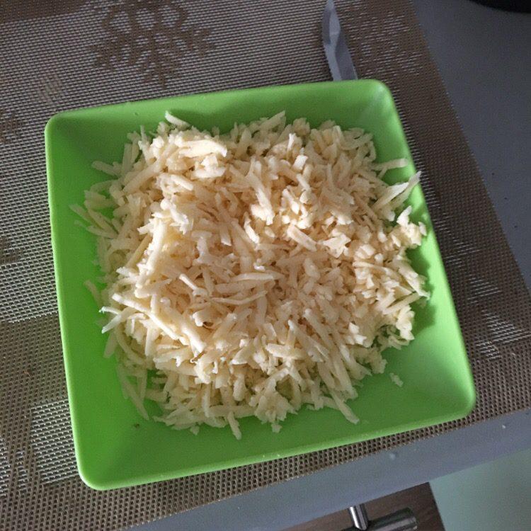 Фото рецепта - Запечённая индейка с сыром и помидорами в духовке - шаг 3