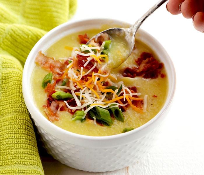 Картофельный суп с беконом и сельдереем