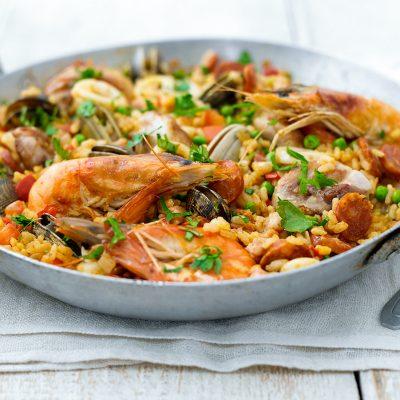 Паэлья морская с колбасками - рецепт с фото