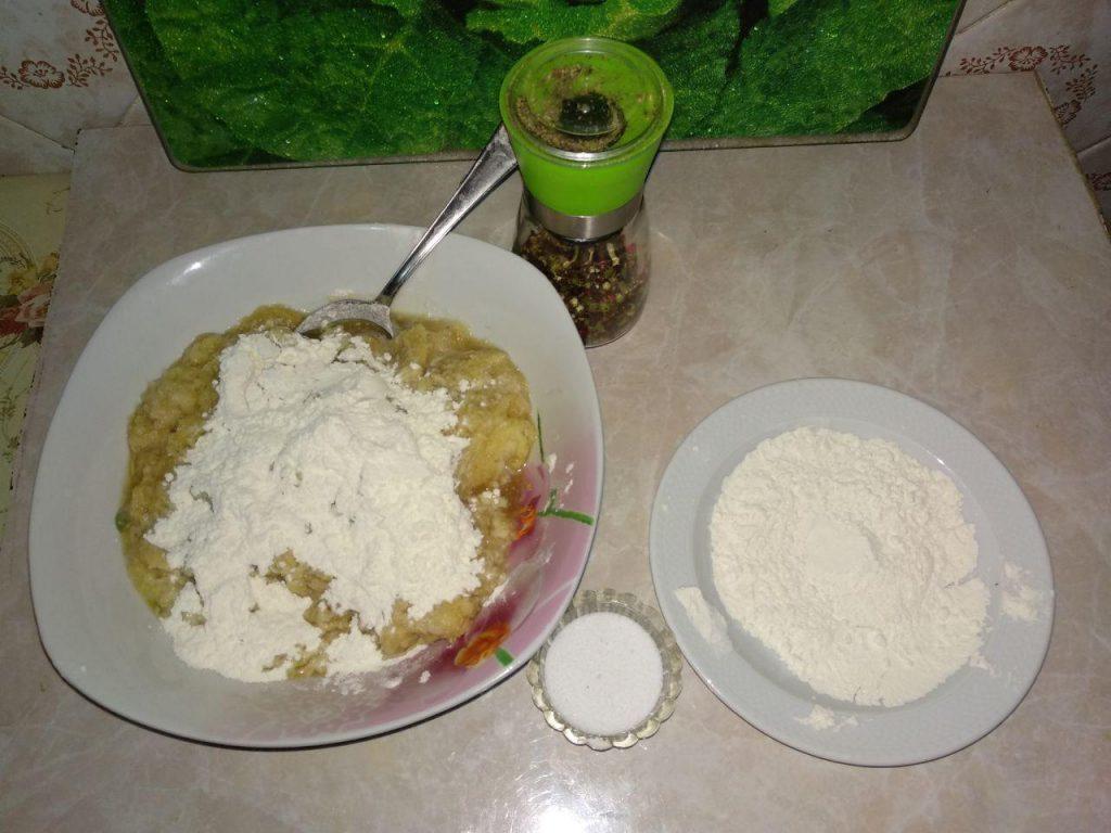 Фото рецепта - Драники, деруны, картофленники к завтраку - шаг 2