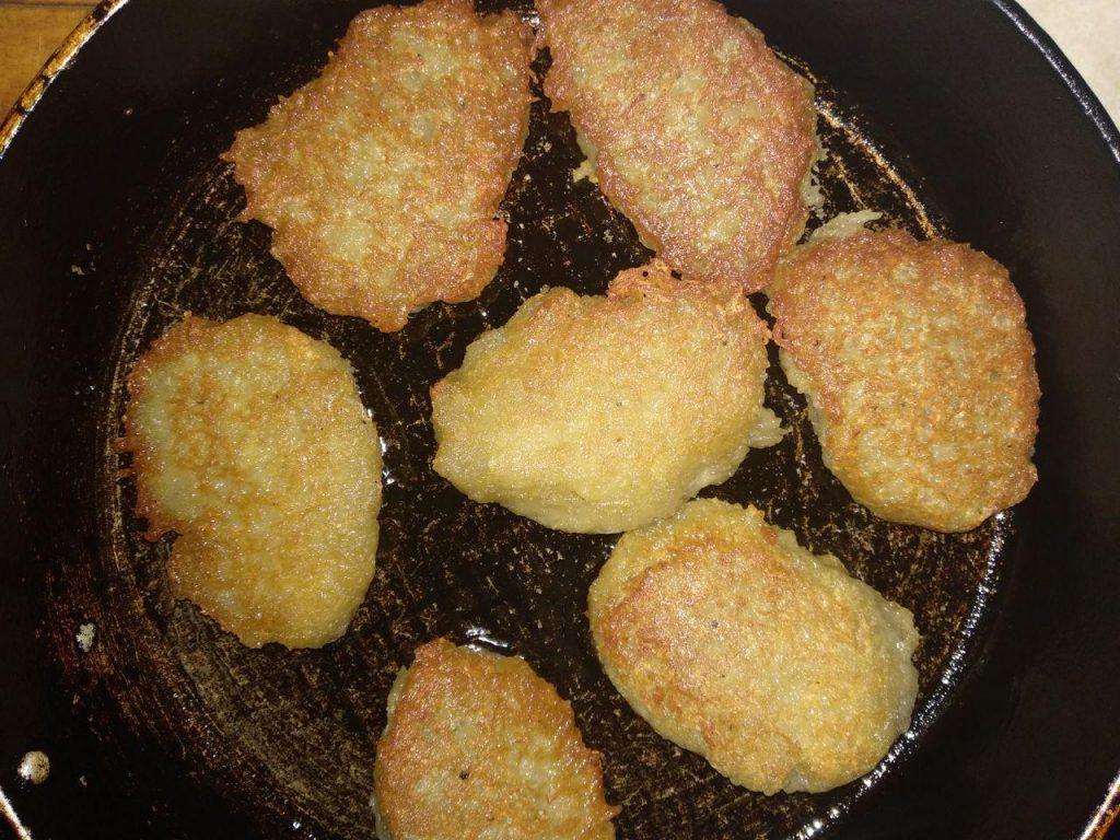 Фото рецепта - Драники, деруны, картофленники к завтраку - шаг 3