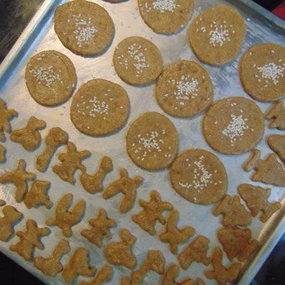 Фото рецепта - Крекерное печенье - шаг 4
